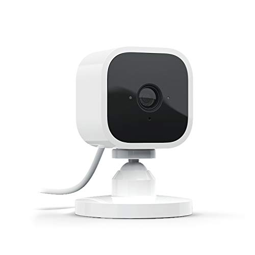 Blink Mini, cámara de seguridad inteligente, compacta, para interiores, con enchufe, resolución de vídeo HD 1080p, detección de movimiento y compatible con Alexa – 1 Cámara
