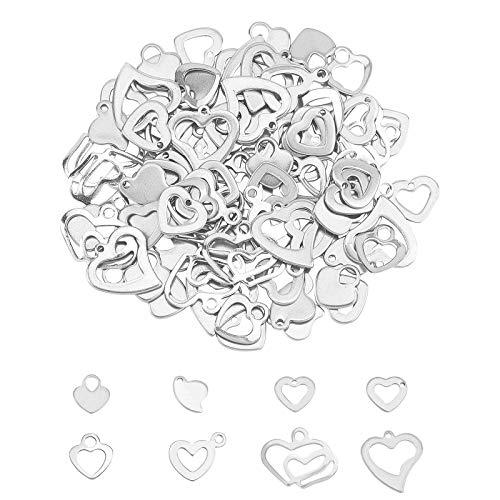 UNICRAFTALE 160pcs 8 Estilos Encanto de Corazón Tema de Amor Colgante de Corazón Encanto de Acero Inoxidable Encanto de Metal Plano Agujero Pequeño para la Fabricación de Joyas de Aretes