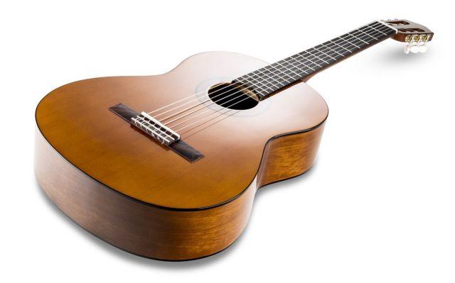 guitarra-clasica-yamaha-c40-en-oferta